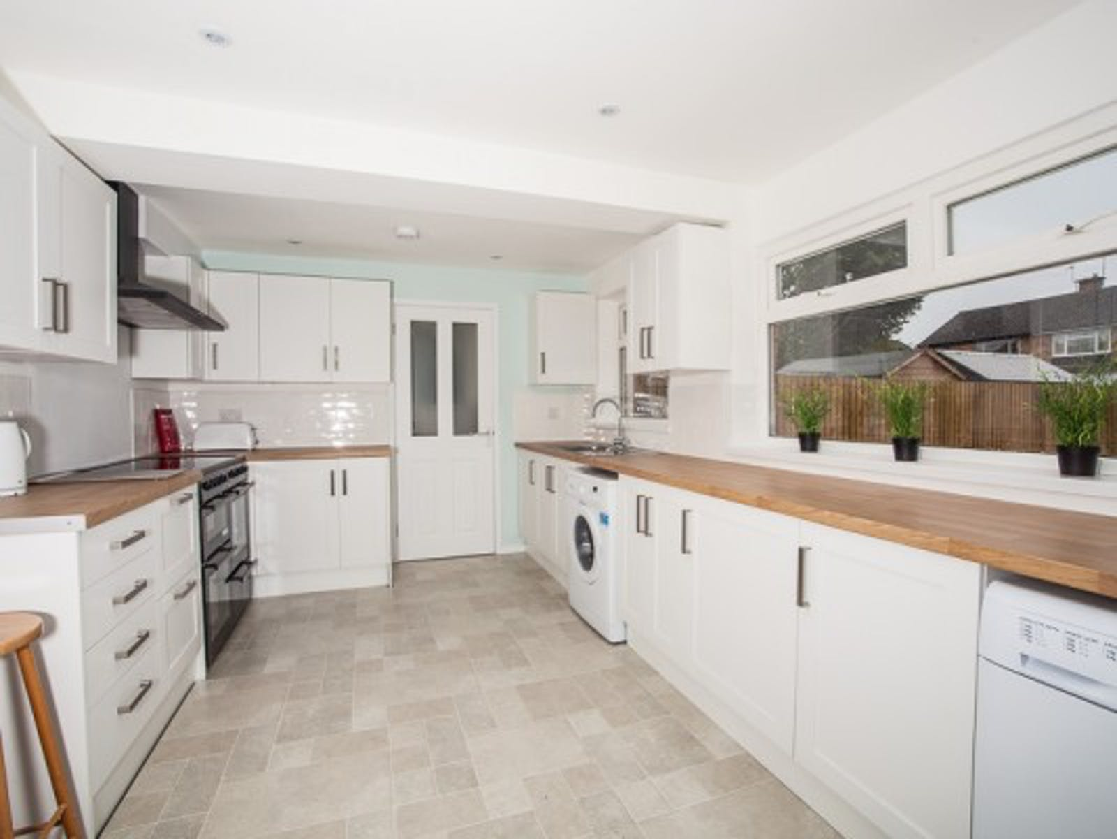 Rooms to Let - Daily Info