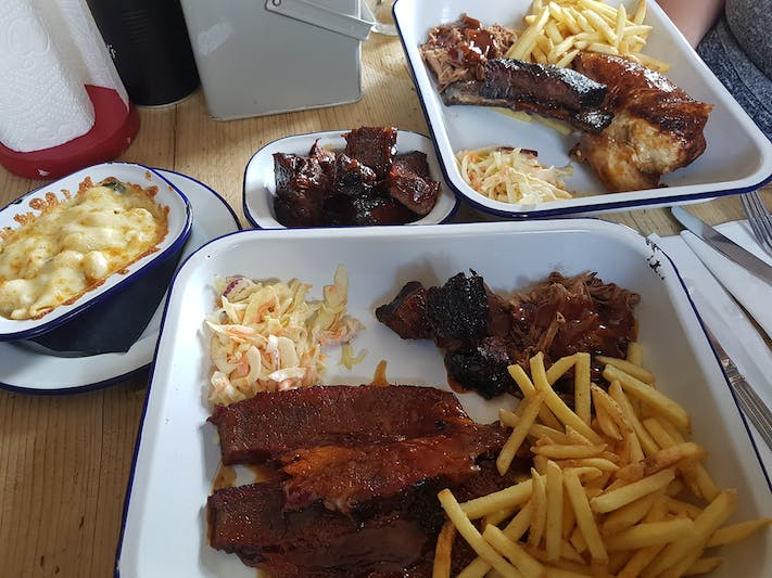 Oxford Blue Smokehouse mains